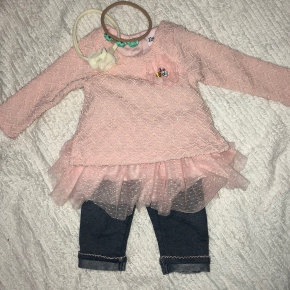 Little Lass Other - Amazingly adorable 2 piece outfit.